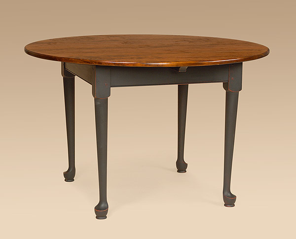 Round Queen Anne Farmhouse Table Image