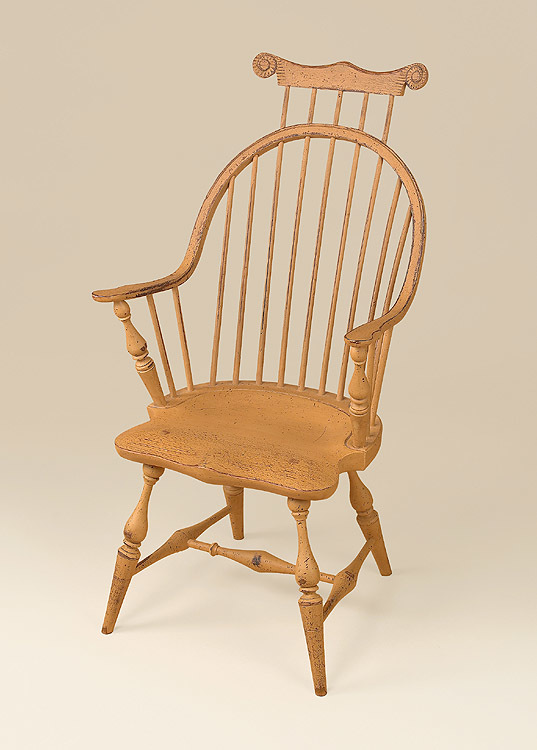 Historical Continuous Arm Windsor Chair with Comb Image