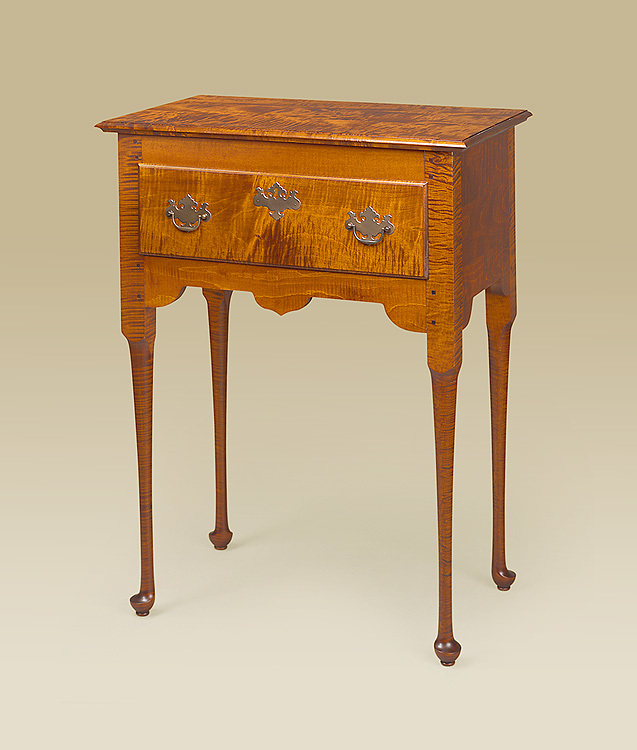 Queen Anne Serving Table Image
