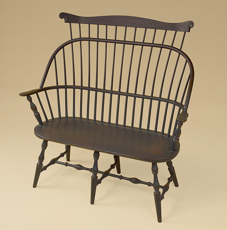 Sack-Back Windsor Settee with Comb Image
