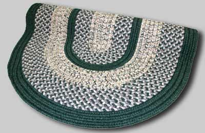 Town Crier Braided Rug - Green - Number 98 Image