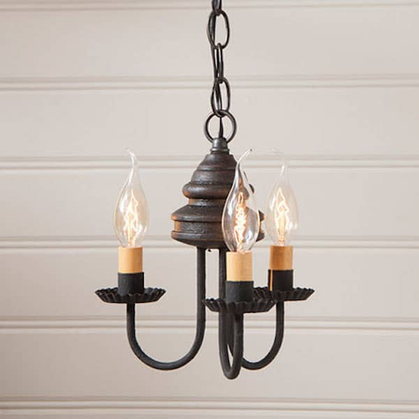 Bellview Wooden Chandelier in Americana Black Image
