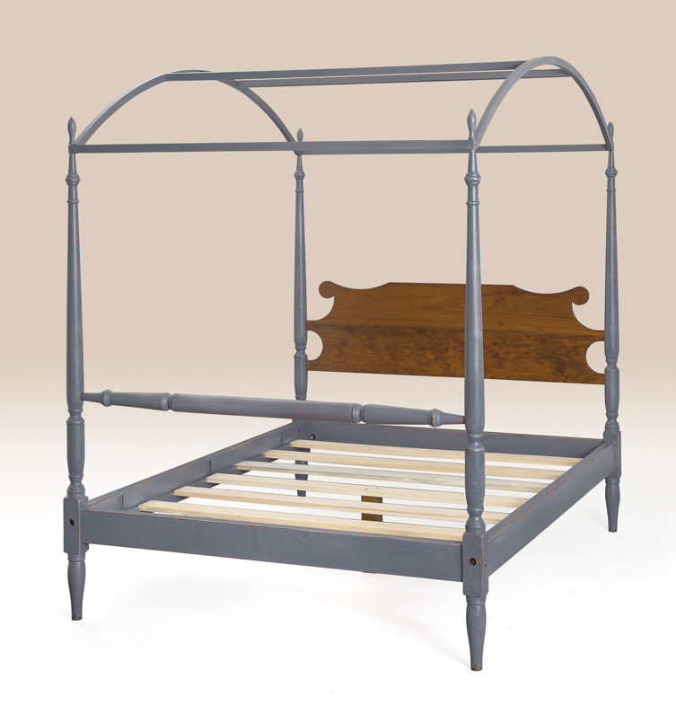 Historical Charlotte Arched Canopy Bed Image