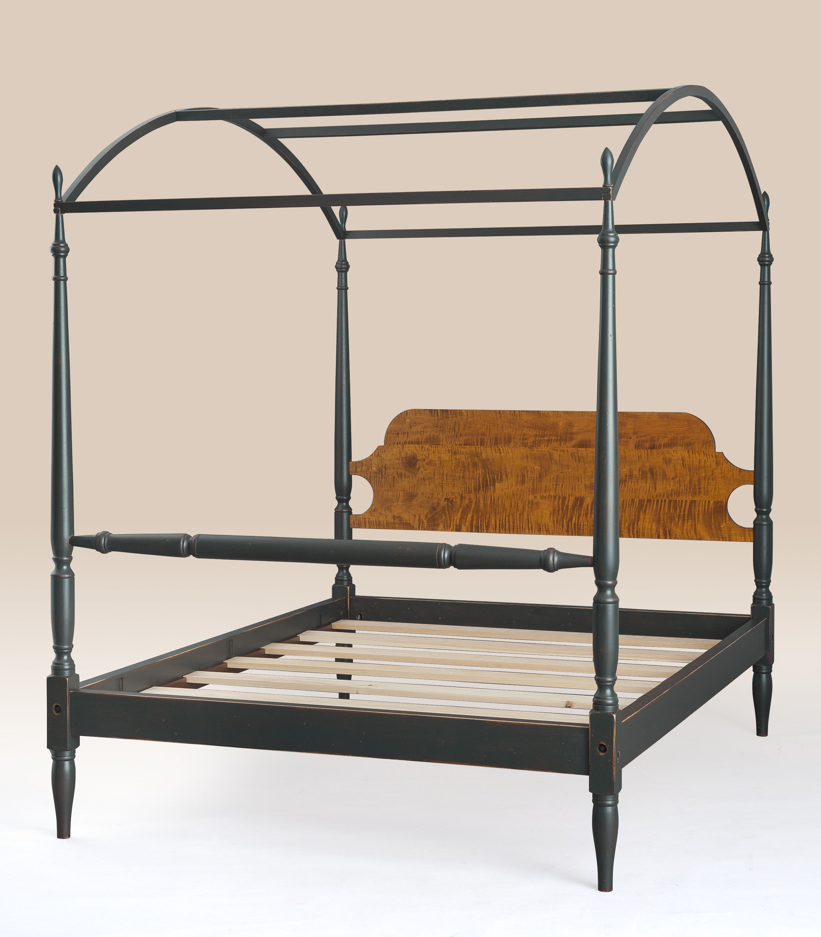 Historical Harrisonburg Arched Canopy Bed Image